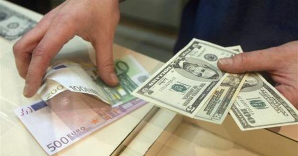 Curs valutar. Francul elvețian a atins cea mai mare cotație din ultimele două luni