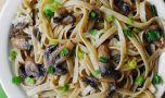 Cum se prepară pastele cu ciuperci și usturoi. O rețetă simplă dar delicioa…