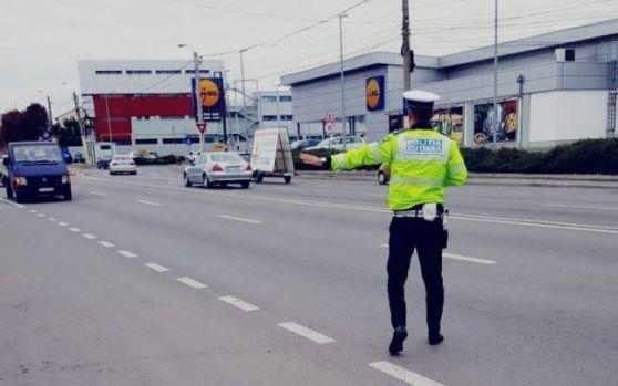 Polițiști amendați de un procuror pe care l-au oprit în trafic! Reacția halucinantă a magistratului