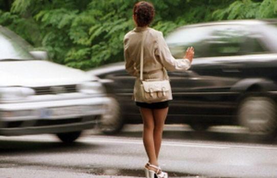 Italia. O româncă și-a obligat fetița de 13 ani să se prostitueze! Ce pedeapsă a primit femeia