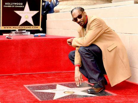 Snoop Dogg şi-a inaugurat steaua pe Hollywood Boulevard