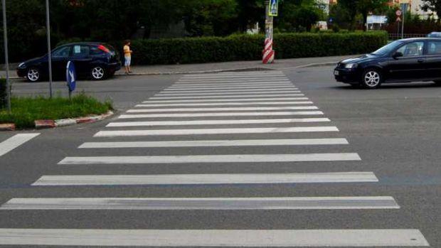 Suceava. O stradă de numai 300 de metri are nouă treceri de pietoni! Foto în articol