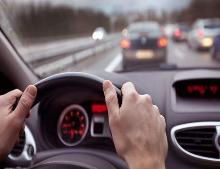 Atenție șoferi! Conducătorii auto care suferă de aceste boli ar putea rămâne fără permis