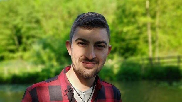 Cine este tânărul român de 27 de ani, găsit mort într-o toaletă publică din Londra. A fost dat dispărut de tatăl său