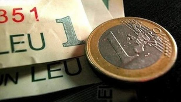 Curs valutar. Euro și dolarul încep luna decembrie în creștere