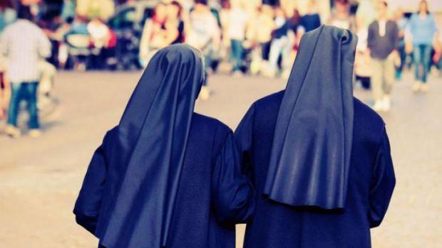 Două călugăriţe au furat 500.000 de dolari de la o şcoală catolică. Ce au făcut cu banii