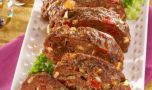 Reţete de Crăciun. Cum se prepară rulada din carne tocată și legume
