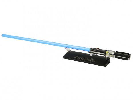 """Sabia cu laser a lui Luke Skywalker din primul film """"Star Wars'"""", retrasă din licitaţie"""