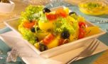 Cum se prepară salata de cartofi cu măsline. Un antreu bun pentru mesele festi…