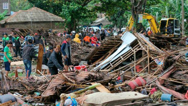 Indonezia. Bilanţul tsunami-ului soldat a crescut la 281 de morţi şi peste 1000 de răniţi! Video