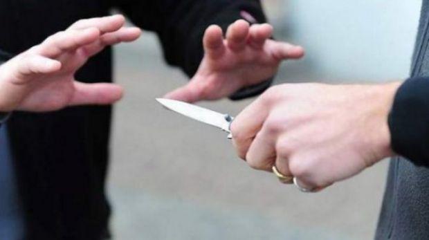 Italia. Un român și-a înjunghiat soţia din gelozie după ce a forţat-o să se prostitueze