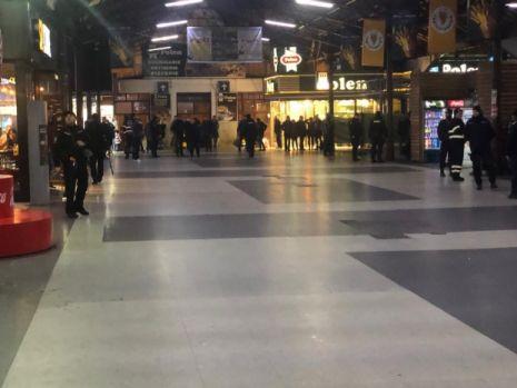Individul responsabil de amenințarea cu gaz sarin la Gara de Nord și Aeroportul Otopeni a fost reținut