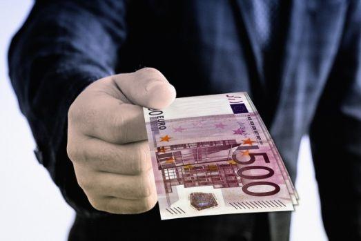 Ce trebuie să faci ca să nu-ți mai ceară nimeni, niciodată, bani împrumut!