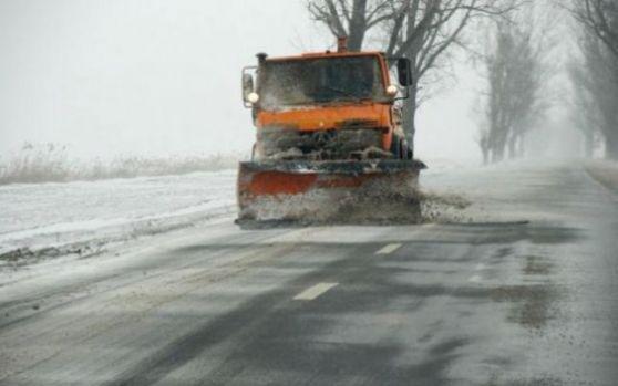CNAIR: Se circulă în condiţii de iarnă în toată ţara