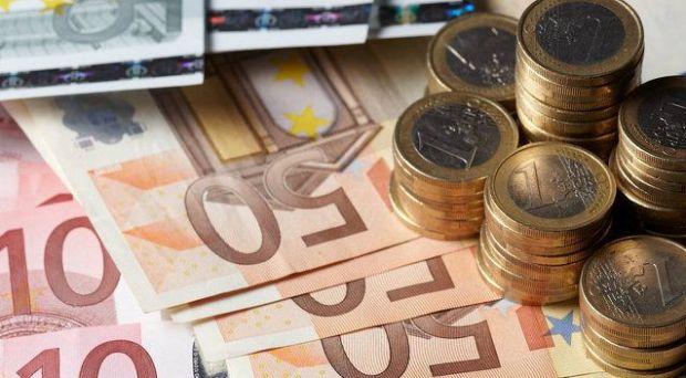 Curs valutar. Euro se depreciază, însă aurul crește la cel mai mare nivel din ultimii doi ani