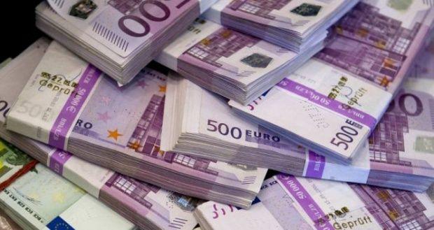 Curs valutar. Zi neagră pentru leu. Euro atinge cel mai ridicat nivel din istorie