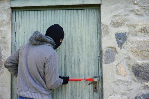 Italia. Doi hoți români s-au făcut de râs! Lumea face glume pe seama lor, după ce s-a aflat ce au furat