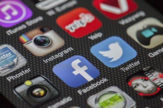 Facebook investește 300 de milioane de dolari în proiecte de jurnalism