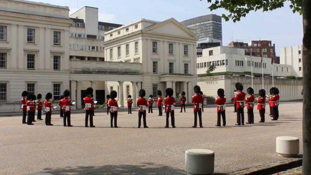 """Palatul Buckingham a omagiat muzica trupei Queen după succesul """"Bohemian Rapsody""""! Video"""