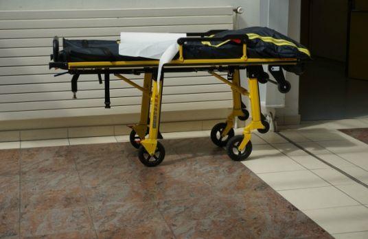 Ploiești. Un bărbat a murit la spital, după ce a fost scăpat în cap de pe targă