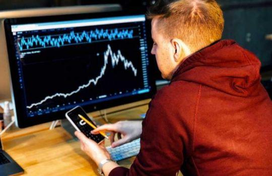 Bitcoin a intrat, oficial, în cea mai lungă perioadă de scădere a prețului din istorie