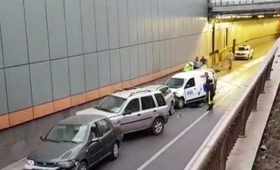 București. Accident în Pasajul Obor în care au fost implicate cinci mașini