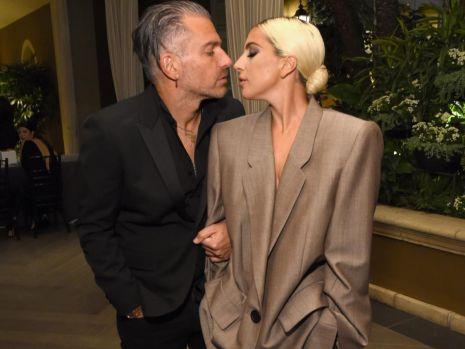 Lady Gaga s-a despărţit de logodnicul Christian Carino