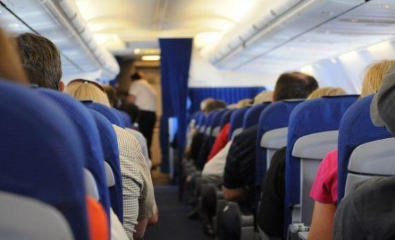 Motivul pentru care locurile din avion sunt atât de înghesuite
