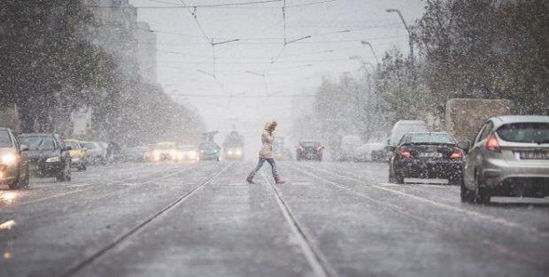 Vești proaste de la meteorologi. Iarna se întoarce cu ninsori, frig și lapoviță