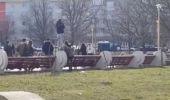 Constanța. Două eleve s-au lovit cu pumnii și picioarele într-un parc, iar colegii le încurajau! Video