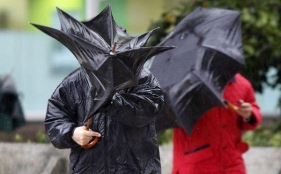 Cod galben de ploi puternice în jumătate de țară