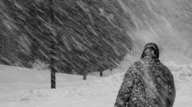 Se strică vremea! Cod galben de vânt puternic și ninsori în 16 județe