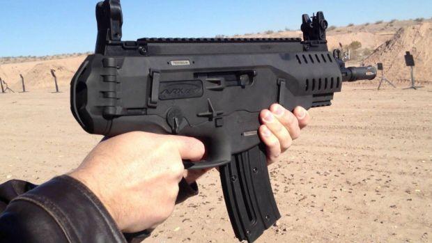 România va produce două tipuri de arme de asalt împreună cu italienii de la Beretta