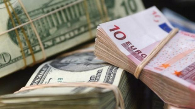 Curs valutar. Euro se depreciază pentru a doua zi consecutivă
