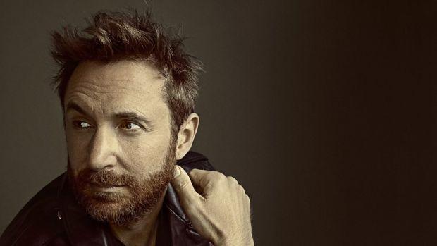 David Guetta se iubește cu o femeie mai tânără decât el cu 24 de ani! Galerie Foto