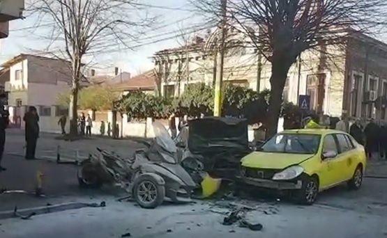 Judecătoarea de 35 de ani implicată într-un grav accident în Constanța a murit la spital! Foto în articol