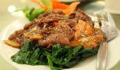Cum se prepară mâncarea de gâscă cu castraveți murați. O rețetă apetisantă