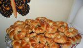 Cum se prepară mucenicii moldovenești cu miere și nucă