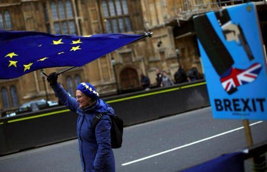 Marea Britanie. Demonstrații pro-UE la Londra! Un milion de manifestanți au cerut un nou referendum pentru Brexit! Video