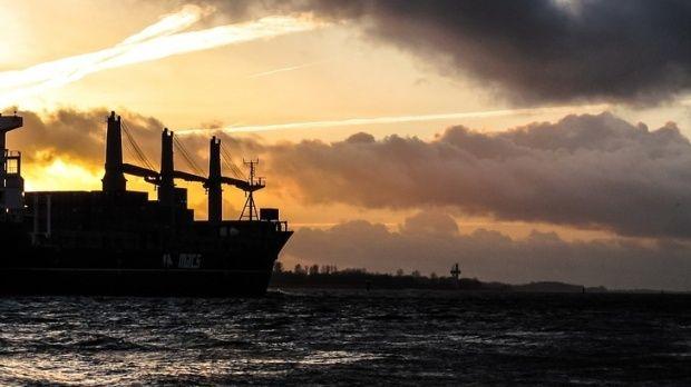Togo. Trei marinari români au fost răpiţi de piraţi