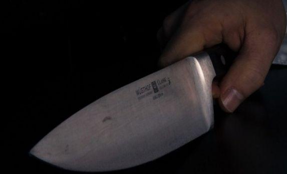Arad. Un bărbat a pus mâna pe cuțit și l-a omorât pe fratele lui geamăn! Care a fost motivul