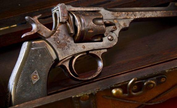 Arma cu care s-a sinucis pictorul Vincent van Gogh va fi scoasă la licitație