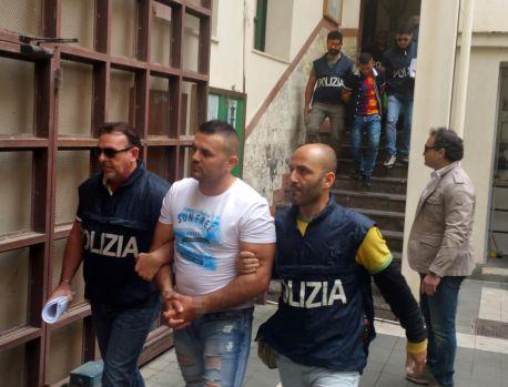 Italia. Români din Spania, arestați la Novara după ce au fost prinși cu un transport de droguri de peste două milioane de euro