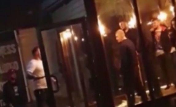 Craiova. Bătaie cu maceta şi bâtele într-un club! Video
