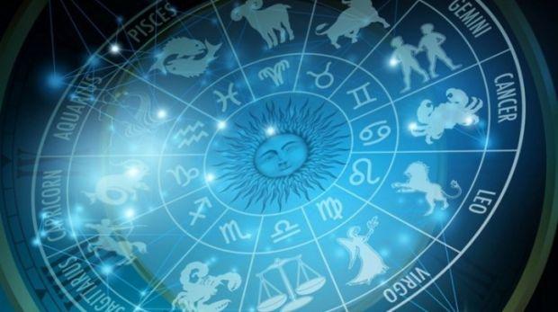 Horoscop 12 aprilie 2019. Taurii pot avea surprize plăcute, iar Racii trebuie să fie discreți