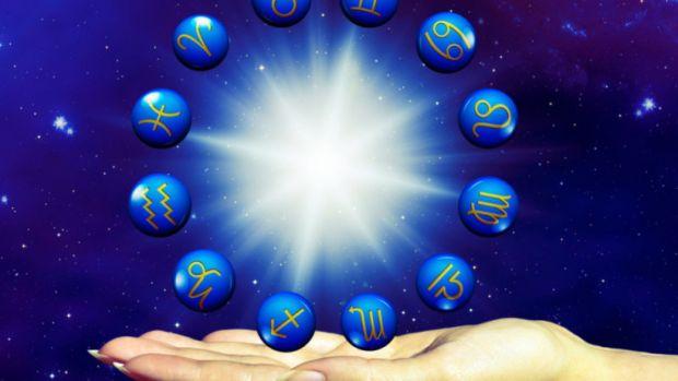 Horoscop 5 aprilie 2019. Vărsătorii își rotunjesc veniturile, iar Berbecii au prietenii alături