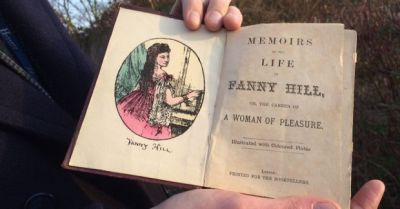 jim-spencer-holding-book-fanny-hill-credit-hansons-promo