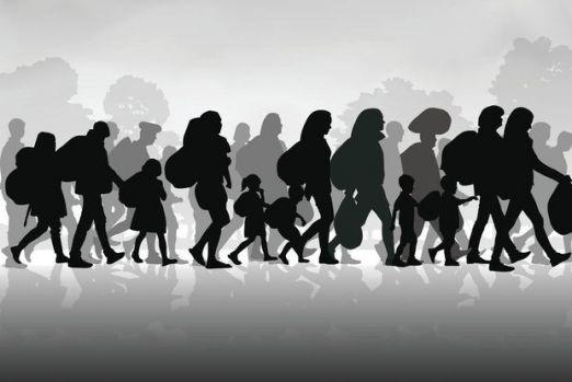 The Guardian: Sudul şi estul Europei se tem mai mult de emigraţie decât de imigraţie. În România, populația a scăzut cu aproape 10%