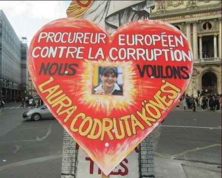 Laura Kovesi, simbolul luptei anticorupție al vestelor galbene din Franța: Pentru a lupta împotriva corupției, avem nevoie de Laura Codruța Kovesi!