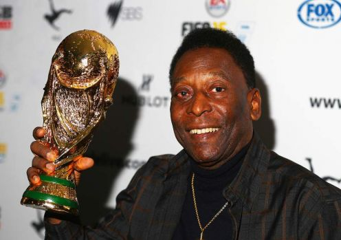 Fostul jucător brazilian Pele, în vârstă de 78 de ani, a fost spitalizat la Paris